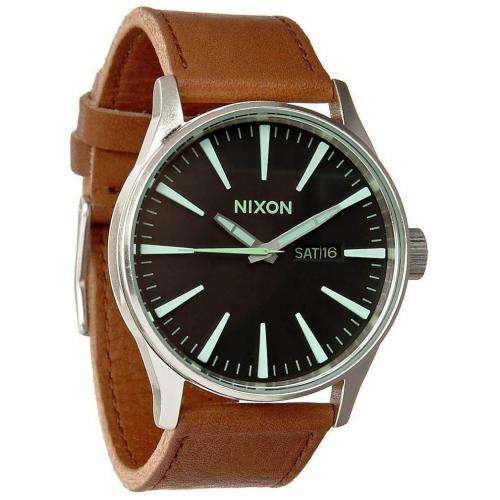 Sentry Leather Uhr black/saddle von Nixon